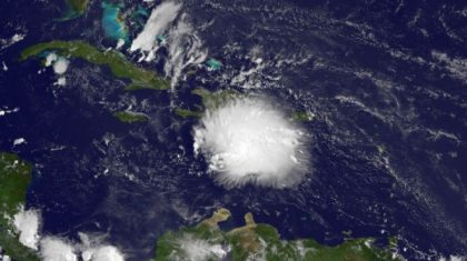 Tracking Organized, Strong Fast-Moving Tropical Wave in Caribbean