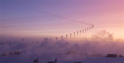 4343PHOTO-2016-Ozone-Hole---A-time-lapse-photo-shows-a-weather-balloon-carrying-an-ozonesonde-rising-into-the-Antarctic-sky-above-NOAA's-S