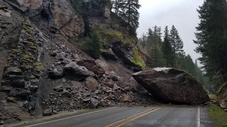 WATCH: Oregon Crews Blow Up 200-ton Boulder