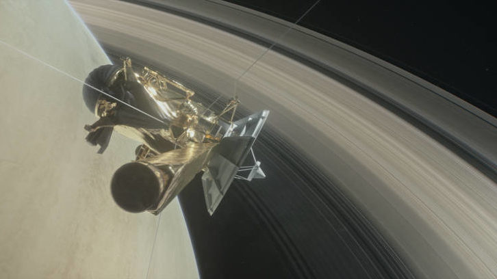 NASA's Cassini Beams Closest Images Ever of Saturn After Planed Dive