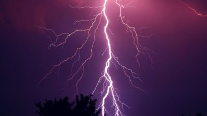 Lightning Strike Kills 1 in Florida