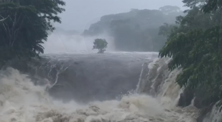 Lane Drops Over 50 Inches of Rain on Parts of Hawaii