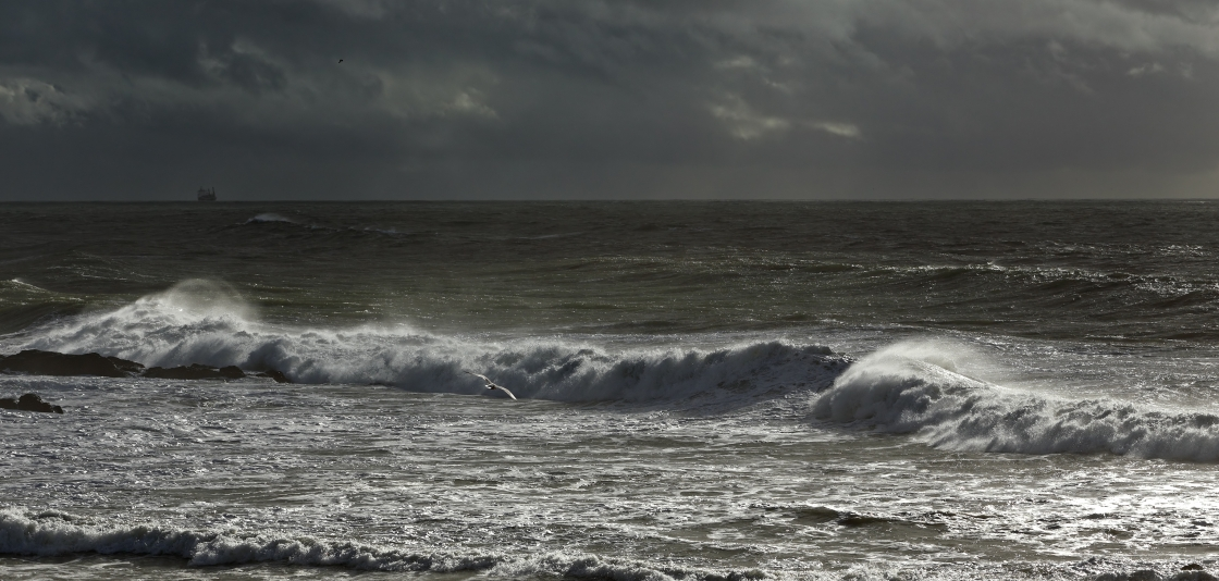 A Look at Meteotsunamis - Large, Weather-Created Breaking Waves