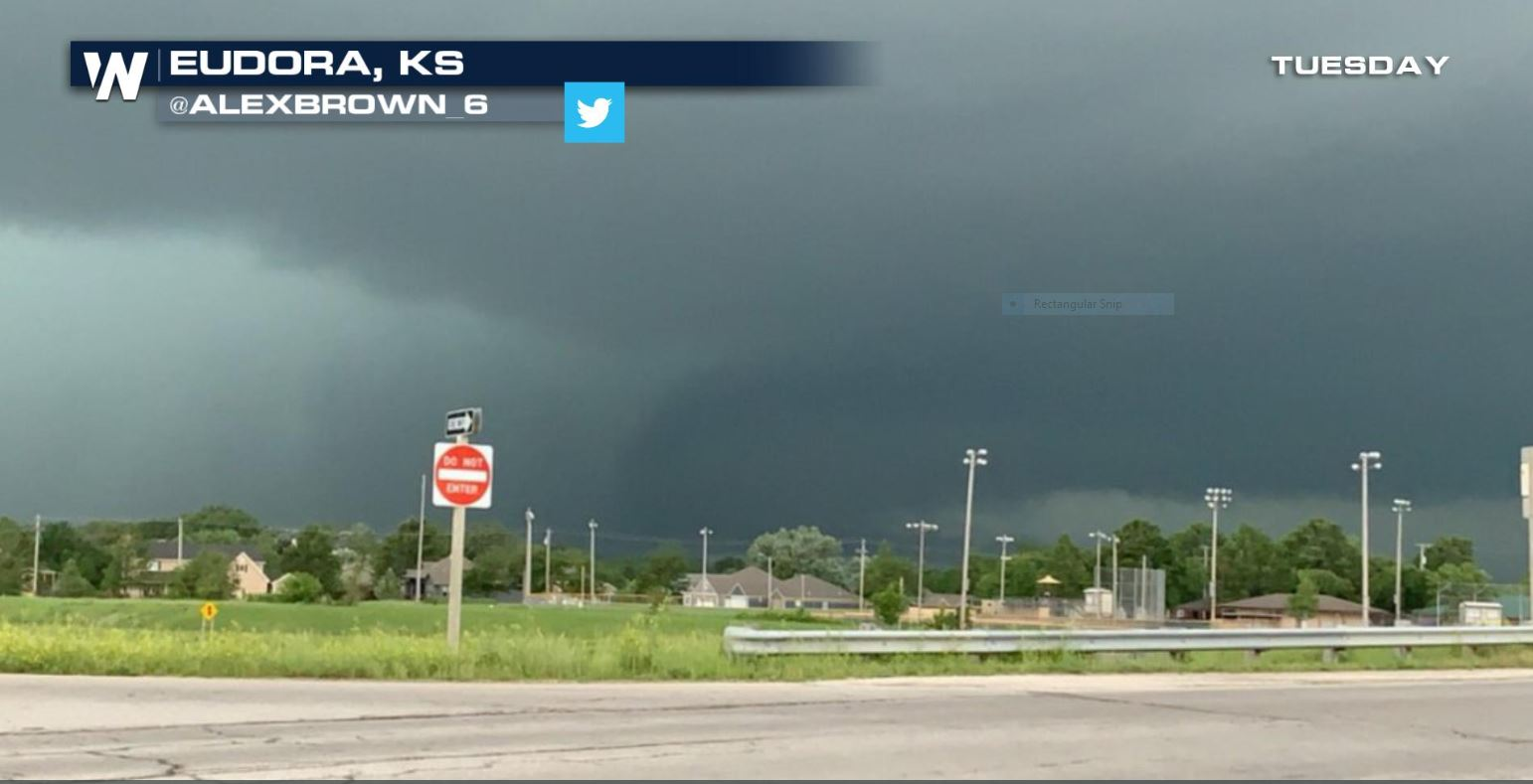Confirmed Tornado Comes Very Close to Kansas City