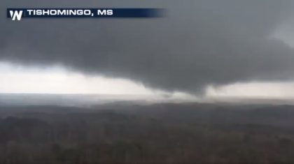 Large tornado touches down in Mississippi; injuries reported