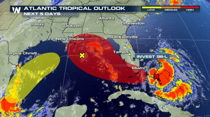 Tropical wave expected to strengthen this weekend in the Gulf
