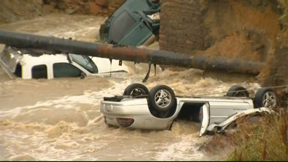 Broomfield-Cars-submerged-from-9News-Kusa