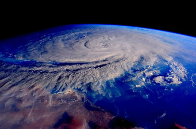 Yemen Battered By First Hurricane Strength Storm