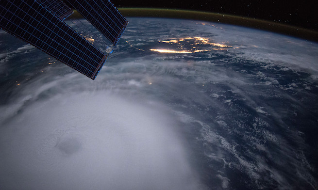 iss045e037243a_0